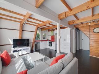 Awesome 3 Bed Rotorua Lake House - Rotorua vacation rentals