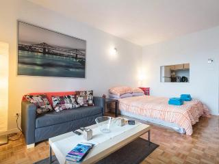 the best location in downtown montreal - Montreal vacation rentals