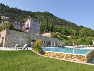 Luxury apartment with pool, lake view and garden - Salò vacation rentals