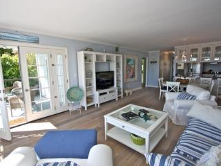 Comfortable Condo with Internet Access and Dishwasher - Laguna Beach vacation rentals