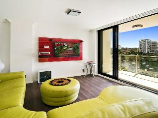 Sydney Harbour Waterfront 1 bed spacious Apartment - McMahons Point vacation rentals