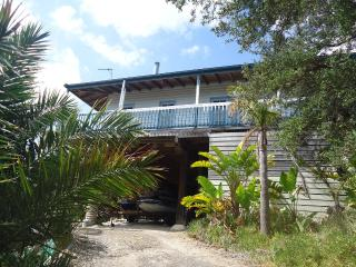 3 bedroom House with Hot Tub in Venus Bay - Venus Bay vacation rentals