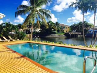 5 Bed.+ Loft Waterfront Home  W/ Dock, Pool, Kayak - Hollywood vacation rentals
