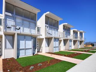 The Waves - Beachfront Townhouse Unit 21 - Jurien Bay vacation rentals