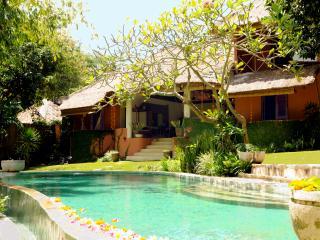 PRIME LOCATION - BALI CHARM - FIVE STAR LUXURY PRIVATE VILLA - Seminyak vacation rentals