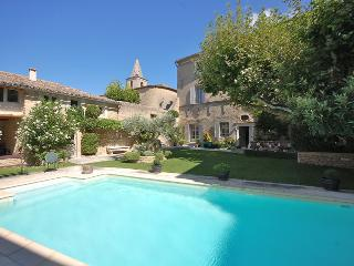 6 bedroom House with Private Outdoor Pool in Cabrieres-d'Avignon - Cabrieres-d'Avignon vacation rentals