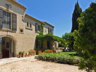 Charming 3 bedroom House in Maussane - Maussane vacation rentals