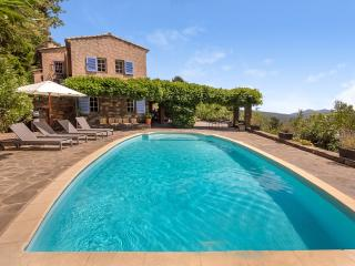4 bedroom House with Private Outdoor Pool in La Garde-Freinet - La Garde-Freinet vacation rentals