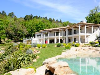 Lovely House with Private Outdoor Pool and A/C - La Garde-Freinet vacation rentals