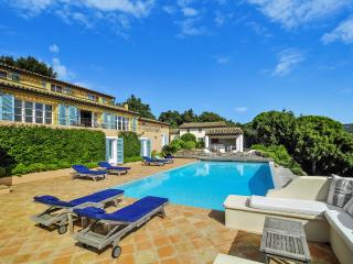 Perfect 5 bedroom Grimaud House with Private Outdoor Pool - Grimaud vacation rentals