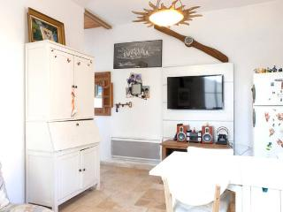 Little 55m2 House 5 min from downtown - Montpellier vacation rentals