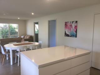 BARWON ABODE - Beachside Getaway - Barwon Heads vacation rentals