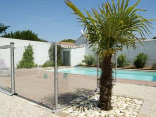 Charming villa with a swimming pool - Le Bois-Plage-en-Re vacation rentals