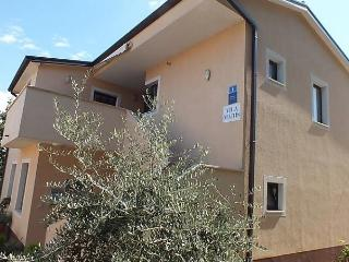 App Maris*** - Basanija vacation rentals