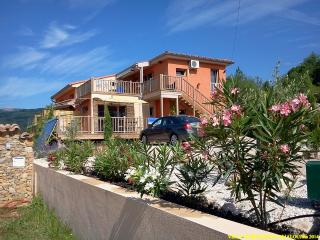 Nice 2 bedroom House in Lamalou-les-Bains with Internet Access - Lamalou-les-Bains vacation rentals