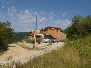 Cozy House in Lamalou-les-Bains with Television, sleeps 4 - Lamalou-les-Bains vacation rentals