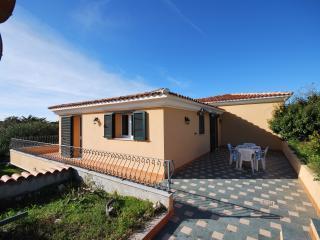 Villa sul mare in Residence con piscina - Santa Teresa di Gallura vacation rentals