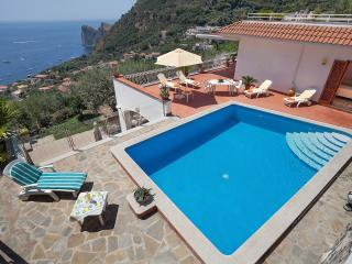 Beautiful 2 bedroom Villa in Massa Lubrense - Massa Lubrense vacation rentals