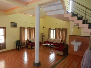 Cozy House in Sultan Battery with Internet Access, sleeps 10 - Sultan Battery vacation rentals