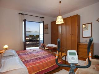 Penthouse Maksim Hvar. Close to beach, great view - Hvar vacation rentals