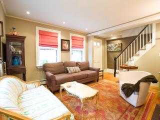 "Beacon Hill -- ""The Federal Rose"" antique house - Boston vacation rentals"