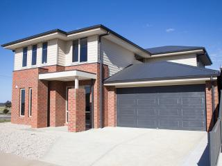 Suven No10 Kewley Grove, Lucas 3350 - Ballarat vacation rentals