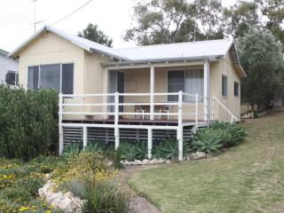 Silver Creek Cottage - Close to River - Guilderton vacation rentals