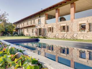 B&B La casa delle grottesche - Cavour vacation rentals