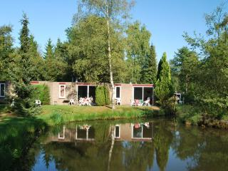 Bright 3 bedroom House in Vledder with Internet Access - Vledder vacation rentals