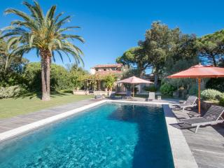 Nice Villa with Dishwasher and Long Term Rentals Allowed (over 1 Month) - Saint-Tropez vacation rentals