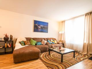 3 BDR in Anacostia - US Capitol 5 min-PARK/Bikesha - Washington DC vacation rentals
