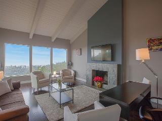 3BR Oakland Hills Stunner Bay Views - Oakland vacation rentals