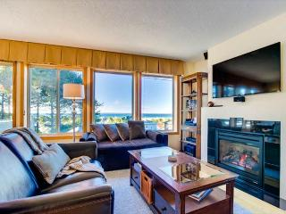 Charming Centrally Located Home With Great Ocean Views! - Lincoln City vacation rentals