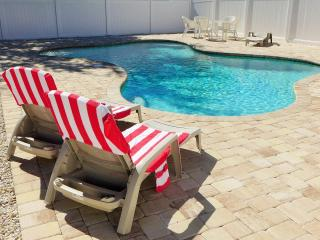 Cottage Green Palm - book now and get a $25Voucher - Fort Myers vacation rentals