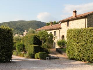 Lovely Farmhouse Barn with Internet Access and A/C - San Giovanni del Pantano vacation rentals