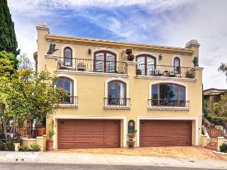 MOST ELEGANT & SPACIOUS RENTAL with HIGH CEILINGS Close to the Beach in CDM! - Corona del Mar vacation rentals