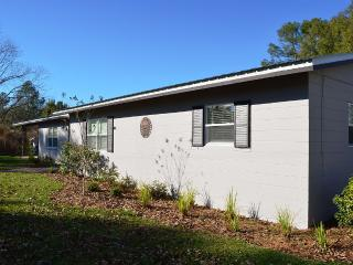BRAND NEW REMODEL! Panhandle of Florida - Laurel Hill vacation rentals