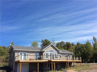 Bright 4 bedroom Roseneath Cottage with Internet Access - Roseneath vacation rentals
