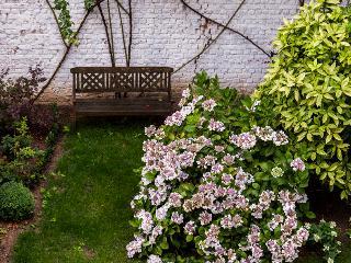 Schuman! Grandiose 2BR with garden! - Brussels vacation rentals