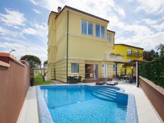 Villa Sunnydale **** contemporary beachside villa - Pula vacation rentals