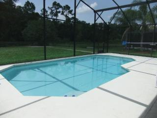 Luxury 4 Bed Villa, pool with conservation view (F - Kissimmee vacation rentals