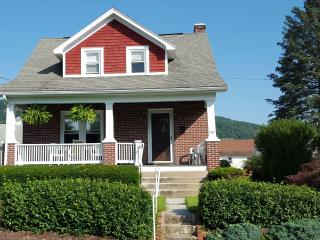 Great weekend rental home for Penn State fans - Bellefonte vacation rentals