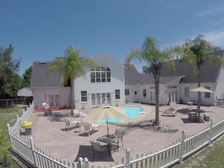 Orlando Daytona New Smyrna, Deltona House Sleeps12 - Deltona vacation rentals