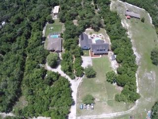 Orlando Daytona New Smyrna Deltona Estate Sleeps22 - Deltona vacation rentals