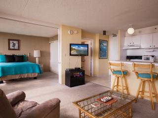 1BR LARGE Waikiki 1 BDRM Ocean Views Pool WB 3406 - Honolulu vacation rentals
