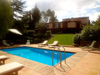 Fabulous country villa in Airesol D for 10 guests, surrounded by rolling hills and mountain views - Castellar del Valles vacation rentals