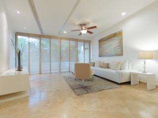HAAB 104/ ELEGANT DESIGN.BEACH.FASHION - Playa del Carmen vacation rentals
