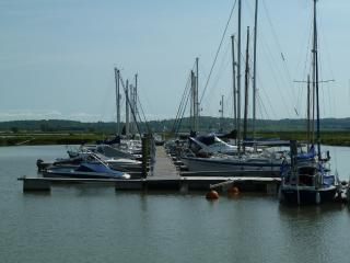 Old Yacht in North Fambridge Essex sleeps 4 - Burnham-on-Crouch vacation rentals