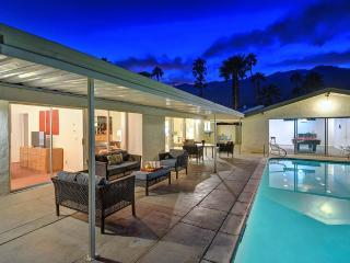 The Sun House - Palm Springs vacation rentals