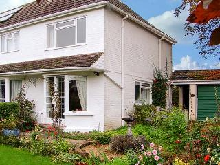 THE COTTAGE, a pet-friendly romantic cottage with garden in a rural location - Whitchurch vacation rentals